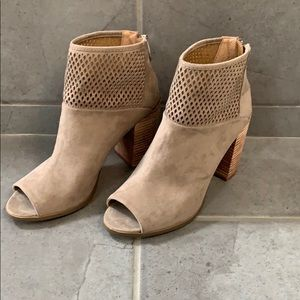 Report peep toe perforated booties size 7.5